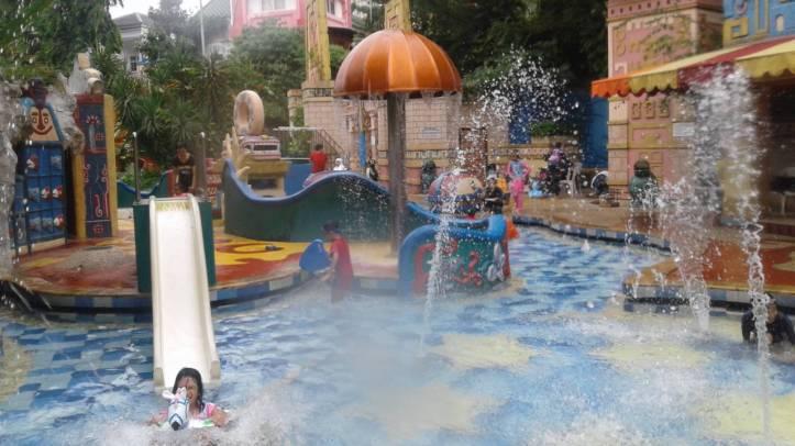 Permainan-Ranjau-Air-Equsa-Anggra-e1556103252378-1280x720